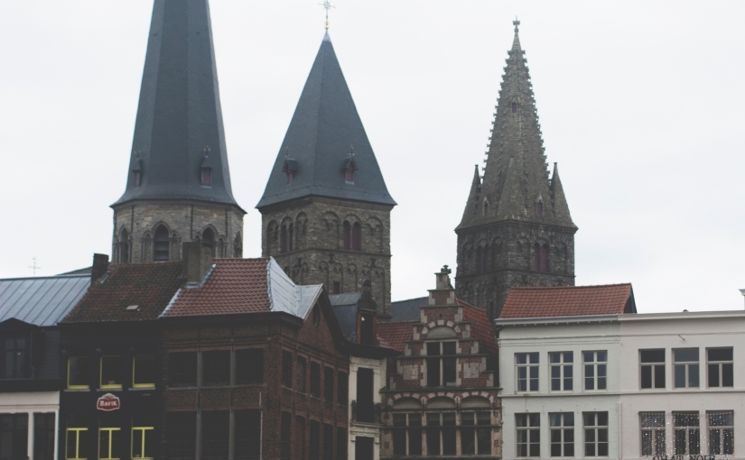 The city of Ghent inwintertime.